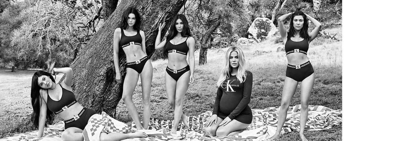 Sestry Kardashian-Jenner spolu zapózovaly v kampani pro Calvin Klein
