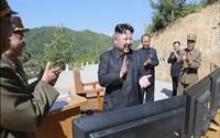 Severní Korea ignoruje snahy USA o navázání komunikace. Biden tvrdí, že Kim Čong-un je násilník