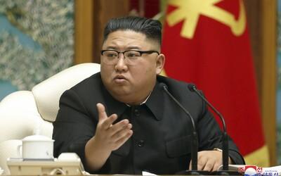 """Severní Korea staví """"silnou obrannou zeď"""". V zemi však nadále oficiálně neevidují koronavirus"""