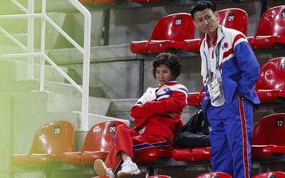 Severokorejští olympionici jsou hlídáni 24 hodin denně. Nemají šanci utéct ze země, protože by riskovali svůj život i zdraví rodiny