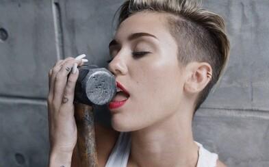 Sex, blowjob i největší trapas v posteli. Moderátoři podcastu Love is on the air odpovídají na peprné otázky od posluchačů