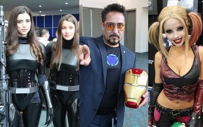 Sexi ženské sporo odeté telá a perfektné a strašidelné kostýmy, aj taký bol Cosplay na Comic-Cone