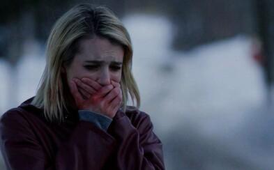 Sexy Emma Roberts bojuje proti záhadným temným silám v atmosférickom traileri hororu The Blackcoat's Daughter