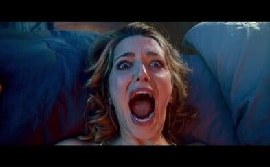 Sexy hrdinka sa v horore Happy Death Day ocitá v časovej slučke a každý deň je zavraždená maskovaným psychopatom. Dokáže odhaliť jeho identitu?