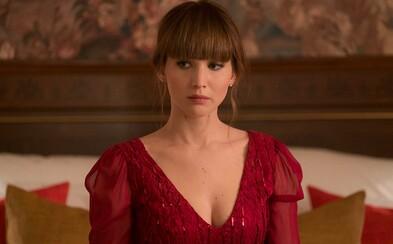 Sexy Jennifer Lawrence v roli ruské špionky na své vnady namotává amerického agenta CIA. Omotá si kolem prstu i vás? (Recenze)