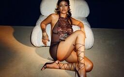 Sexy spodná bielizeň pre všetkých a veľkolepá šou. Rihanna predstavila novú kolekciu SAVAGE x FENTY