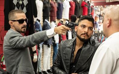 Shia LaBeouf vyberá dane od gangov v Los Angeles. Akčný trailer sľubuje našľapaný gangsterský film od režiséra Bright a Patroly