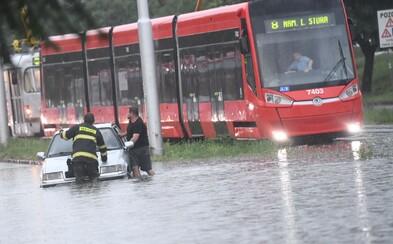 SHMÚ vydáva varovanie pred povodňami. Ktoré regióny sú ohrozené?