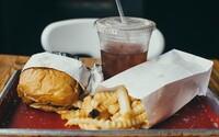 Si jedináčik? Podľa vedcov máš väčšiu šancu na obezitu než deti so súrodencami, dôvodom je vraj výchova od rodičov