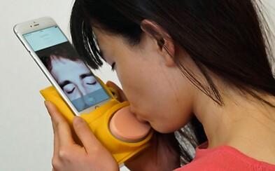 Si od svojej lásky príliš ďaleko? Kissenger je netradičný doplnok pre iPhony na posielanie bozkov cez internet