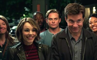 Šialená partia kamarátov sa v krimi komédii Game Night ocitne v bláznivom víre násilia, vrážd a neistoty. Čo všetko je vlastne súčasťou hry?