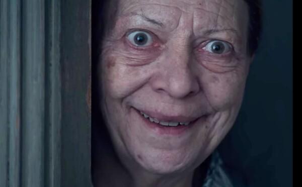 Šialená starenka z knihy ožíva, aby v hororovom seriáli od Netflixu zabila spisovateľku, ktorá ju stvorila