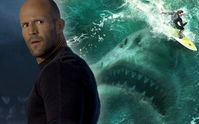 Šialená zábava s gigantickým žralokom a Jasonom Stathamom sa nekonala. The Meg je len ďalším generickým blockbusterom (Recenzia)