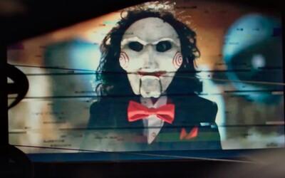 Šialený vrah Jigsaw sa vráti aj po dieviaty raz. Saw 9 napíšu tvorcovia ôsmeho dielu
