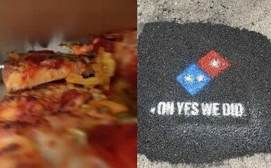 Sieť pizzerií Domino's opravuje diery na cestách. Najviac vraj trpia pizze, ktoré končia v škatuliach rozbité a rozhádzané