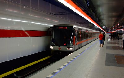 Signál v pražském metru bude už od příštího roku. Pokryto má být celé širší centrum