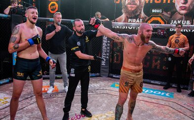 Šílené rvačky a tvrdé KO. Oktagon Underground 2 přinesl další úžasné zápasy v kleci