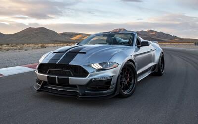 Šílený Shelby Super Snake Speedster je dvoumístný Mustang bez střechy s výkonem až 825 koní