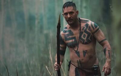 Šílený Tom Hardy si krvavýma rukama dobude své dědictví v dalších ukázkách k historickému seriálu Taboo