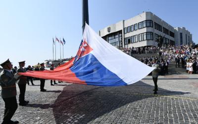 Silný vietor v Bratislave odfúkol vlajku z Dankovho stožiara (Aktualizované)