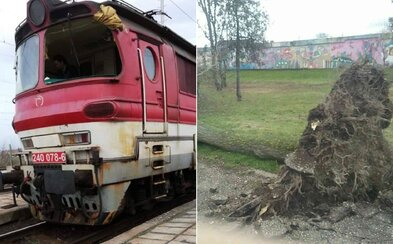 Silný vietor vybil okno na rušni vlaku, počasie vyčíňa po celom Slovensku