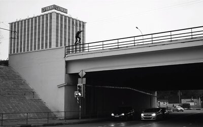 Skateboarding na hranici života a smrti v podání ruského jezdce, kterého nenapodobí snad už nikdo