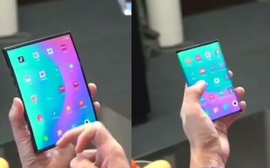 Skladací mobil od Xiaomi vyzerá futuristicky aj prakticky. Nebojí sa konkurovať ani Samsungu