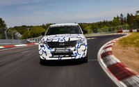Škoda Kodiaq RS spravila na Nürburgringu nový rekord medzi SUV-čkami. Má to však háčik