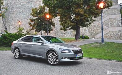 Škoda Superb 2.0 TDI: Z Mladej Boleslavi až na hrad (Test)