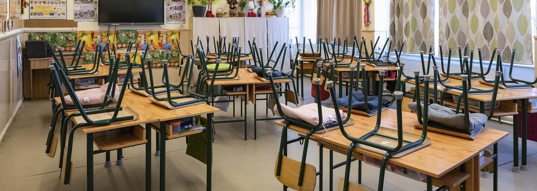 Školy a škôlky sa možno otvoria aj cez prázdniny a žiaci sa budú učiť, pripustil premiér Igor Matovič