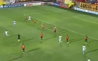 Skoro roztrhal sieť. Juraj Kucka strelil jeden z najkrajších gólov sezóny