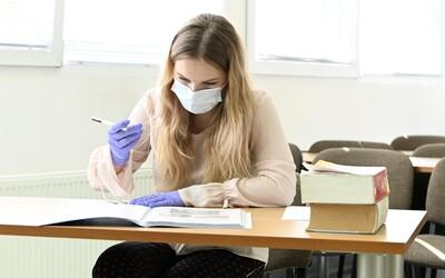 Škótsko ruší všetky záverečné skúšky v roku 2021. Pre pandémiu by vraj žiaci nemali rovnaké podmienky