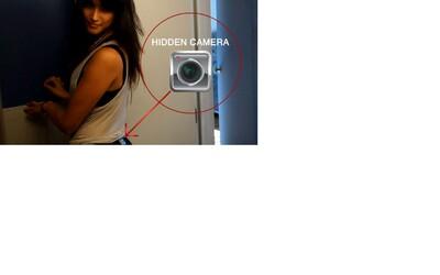 Skrytá kamera na pozadí slečny v legínách nás upozorní, že i na muže se má myslet