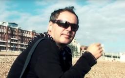 """Skupina HEX sa lúči s Petrom Dudákom skladbou, ktorú nahral pred smrťou. """"Pridaj sa k nám"""" mapuje celú kariéru slovenskej kapely"""