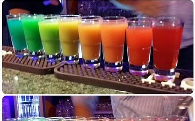 Skvělá barmanská vychytávka: Duhový shot