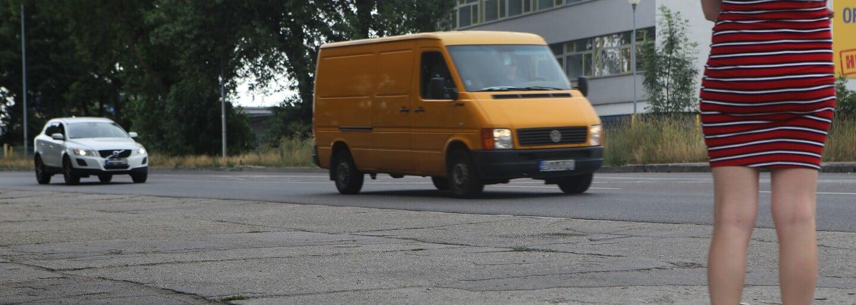 Šľapala som pri Slovnafte, aby som zistila, čo zažívajú prostitútky. Kvôli závislosti sú niektoré ochotné ísť za 3 € bez ochrany