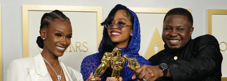 Sledovanosť Oscarov 2021 sa prepadla pod 10 miliónov. Ide o rekordný pokles o skoro 60 %