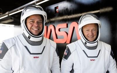 Sleduj živě astronauty, kteří se vracejí s lodí SpaceX. Přistávat budou v Mexickém zálivu