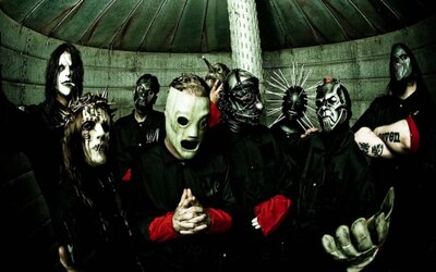 Slipknot jsou po šesti letech zpátky a nás čeká páté studiové album, co zatím víme?