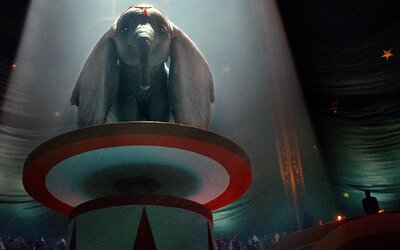 Sloník Dumbo se vrací v režii Tima Burtona! Magická ukázka láká na nádherný a dojemný zážitek