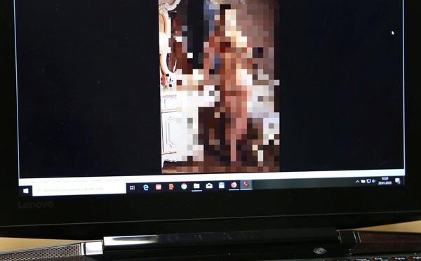 Slováci posielali neznámym ľuďom intímne fotky, vydierači z nich vytiahli viac ako 40-tisíc eur