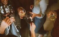 Slováci pred Vianocami míňajú desatinu svojho celoročného rozpočtu na potraviny, najviac však zaplatia za alkohol