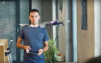 Slováci vymysleli dron, aký nemá obdoby. Hrať sa s ním dá cez smartón a len v interiéri