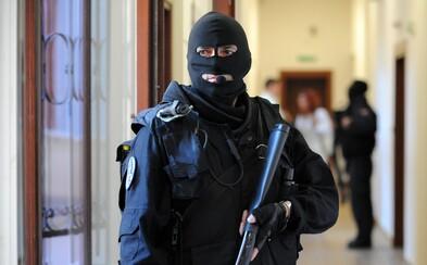 Slováci z rodinného domu ukradli 190 000 €. Zásahová jednotka už mužov zaistila
