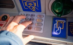Slovák ako zamestnanec banky vytiahol z cudzích účtov 295-tisíc eur