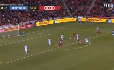 Slovák Albert Rusnák sa zaskvel rozprávkovým gólom. Američania z neho zostávajú vo vytržení