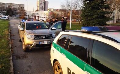 Slovák nahlásil krádež auta, polícia ho našla o ulicu ďalej. Opitý zabudol, kde ho zaparkoval, o 2 hodiny šoféroval pod vplyvom