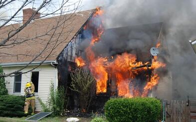 Slovák podpálil svůj dům, protože mu manželka nenavařila