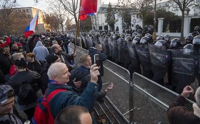 Slovák sa bez rúška zúčastnil novembrového protestu proti opatreniam. Nakazil sa koronavírusom a zomrel