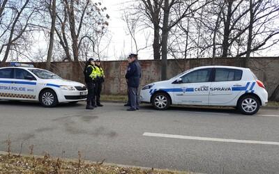 Slovák so skoro 4 promile masturboval v Brne na námestí. Na políciu rozprával maďarsky aj nemecky